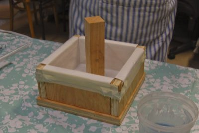Place the column in the soap mold